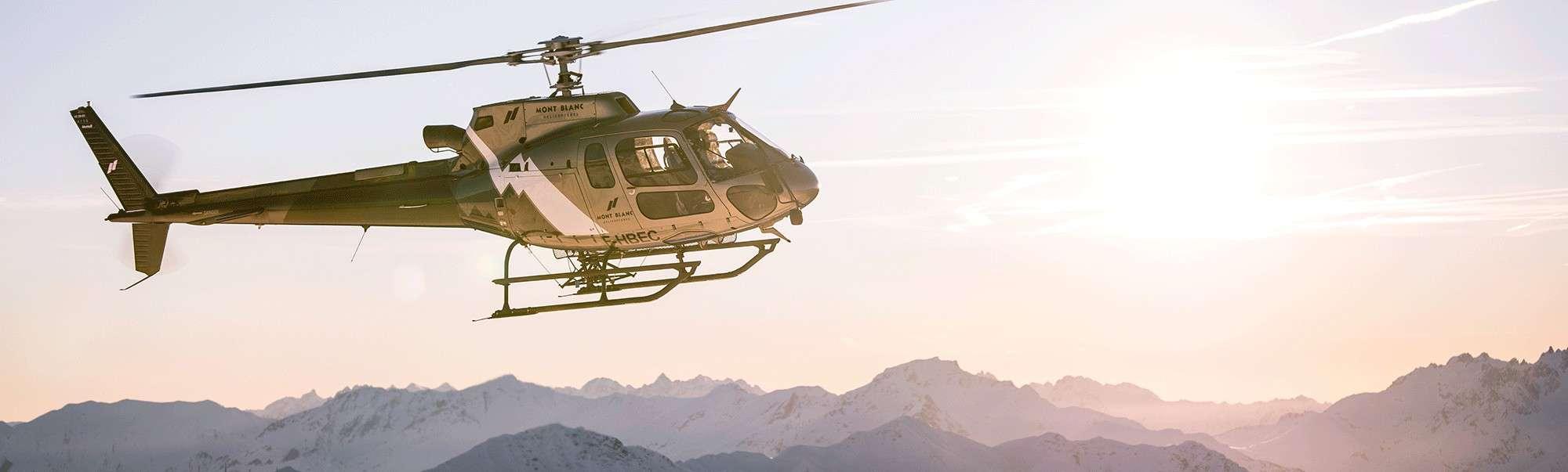 Helicoptere alpe d'huez en vol