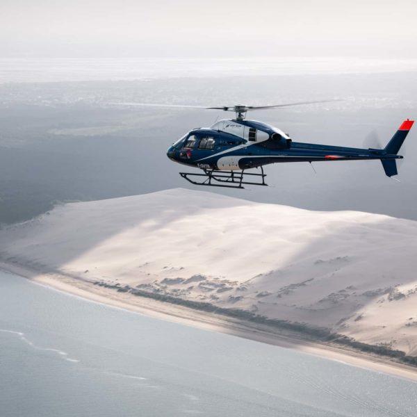 Hélicoptere en vol Arcachon Dune du Pilat