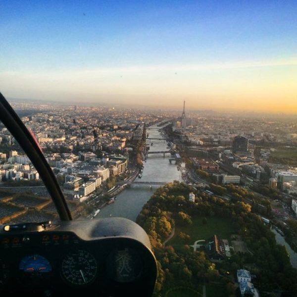 helicoptere paris tour eiffel